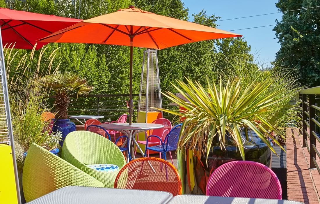 Things to do in Portland Oregon: The Inn outdoor patio