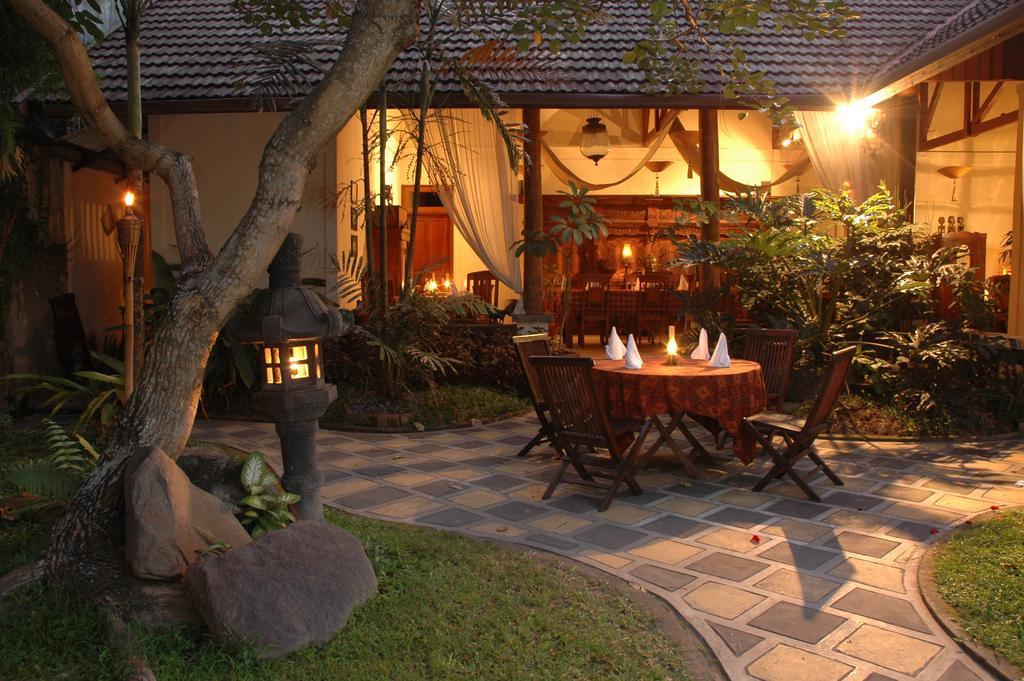 Borobudur Sunrise Tour: Evening at Rumah Mertua Boutique Hotel.