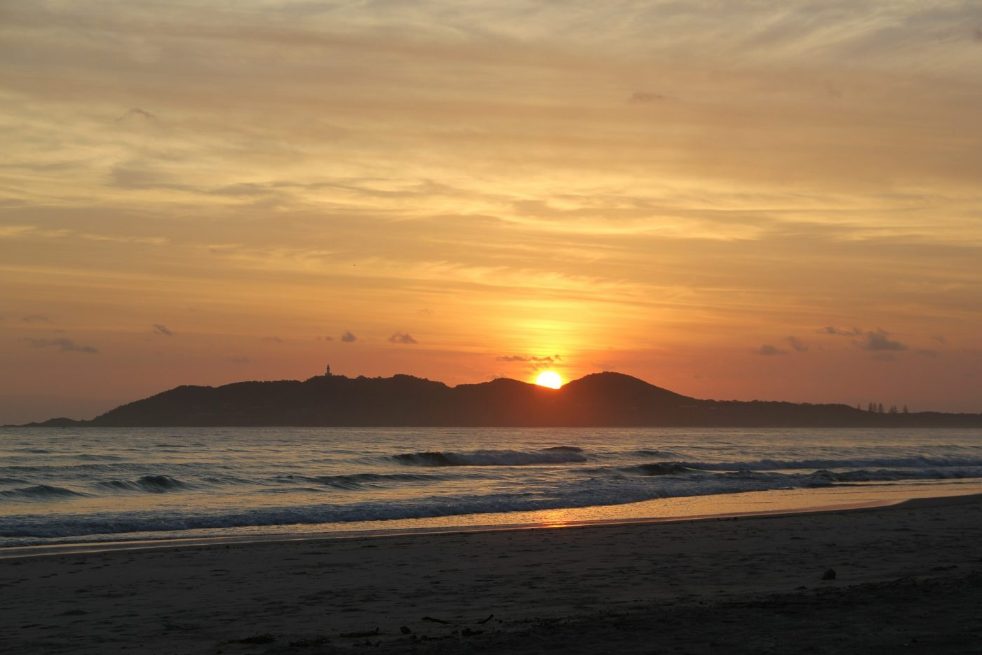Things to do in Byron Bay: Sunrise on the coast of Byron Bay